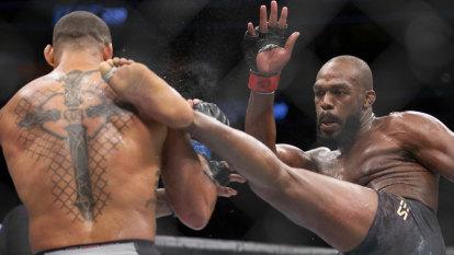 Jones edges Santos, after Masvidal delivers fastest-ever UFC knockout