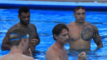 Nam Baldwin explains his methods to the NSW Origin side in Armidale earlier this year.
