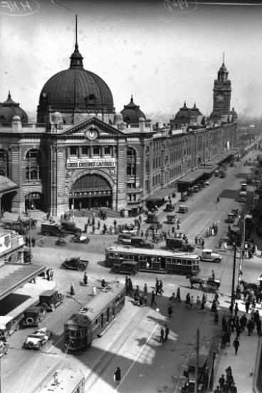 Flinders Street Station in 1929.
