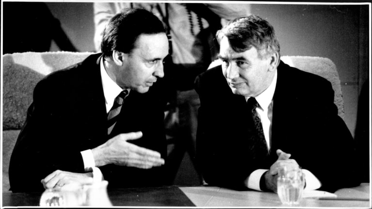 Paul Keating and Brian Howe at the first cabinet meeting of Keating's government, December 1991.