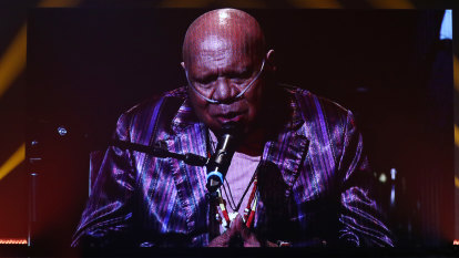 Archie Roach's heart-stopping performance caps virtual ARIA Awards show