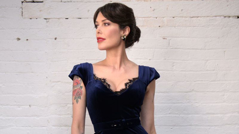 Why most of Tara Moss' wardrobe is filled with vintage finds - WAtoday