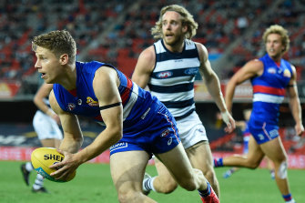 Lachie Hunter during the round 14 AFL match between the Western Bulldogs and the Geelong Cats at Metricon Stadium on August 28.