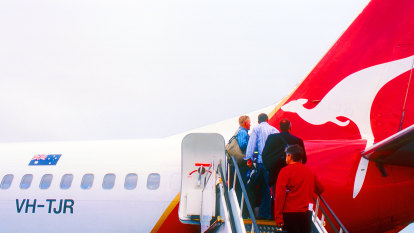 Qantas braces for redundancies from head office restructure
