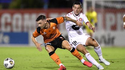 Second-half slump costs Wanderers against Roar