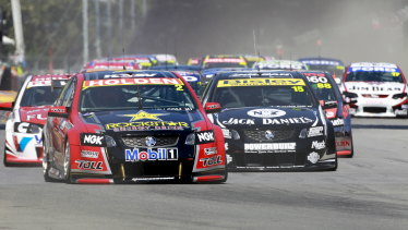 Clipsal 500 action.