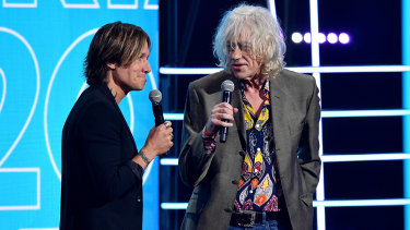 Keith Urban and Sir Bob Geldof present the ARIA Award for Album of the Year at The Star, in Sydney.