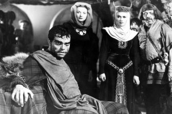Orson Welles in his skin-crawling 1948 production of Macbeth.
