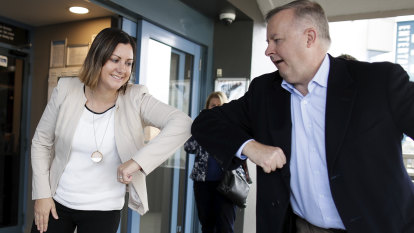 Anthony Albanese and the loneliness of the long-distance campaigner