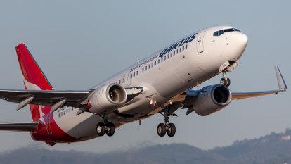 'Real danger': Qantas boss warns of economic, tourism hit if border opening delayed
