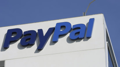 PayPal bets there's life in credit cards yet