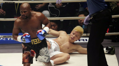 That's entertainment: Mayweather cashes in with first-round knockout