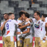 Jets stun Victory to stay in A-League hunt