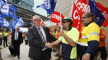 Bob Carnegie has broken ranks with the CFMMEU over Labor's climate change policy direction.