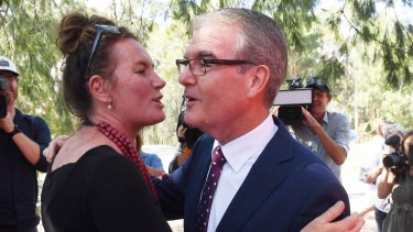 Michael Daley meets local candidate Trish Doyle at Lapstone Public School.