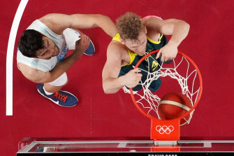 Jock Landale throws down a dunk.