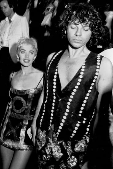 Michael Hutchence escorts Kylie Minogue to the premiere of The Delinquents, 1989.