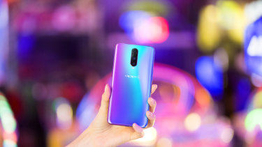 Oppo's R17 Pro borrows a lot of tricks from the flagships of Huawei, Samsung and Apple, but sells for considerably less.