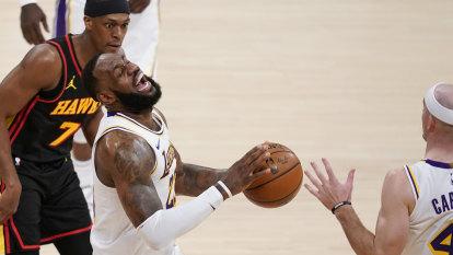 LeBron sidelined indefinitely with ankle injury