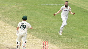 Siraj celebrates after removing Smith