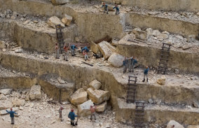 Convict labourers at a quarry sourcing stone for new buildings in Sydney.