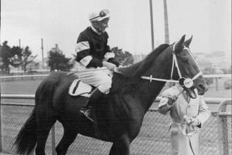 Pago Pago parades before his Golden Slipper win in 1963.