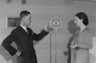 """Former BBC director Bertram Fryer instructs a student at the London School Broadcasting in 1934, when the BBC """"general RP"""" was the last word in """"correct"""" speech."""
