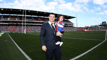 James McManus is farewelled by the Newcastle crowd in 2016.