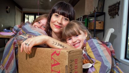 Consumers fume after US Postal Service suspends Australian deliveries