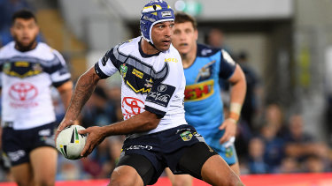 Always inspired: Johnathan Thurston directs play with the same aplomb that has characterised his career.