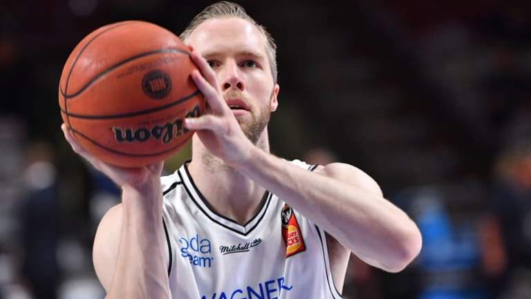 Melbourne United's David Barlow returns to the Boomers after a five-year break.