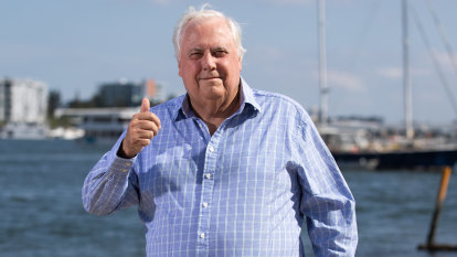 Clive Palmer gets three months' breathing space from criminal charges