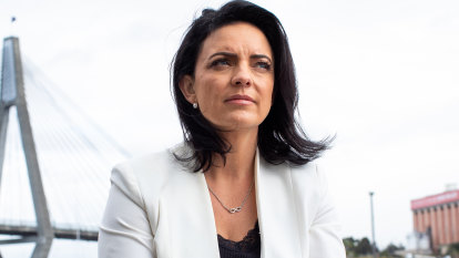 Former Labor MP Emma Husar threatens legal action over sexual harassment claims