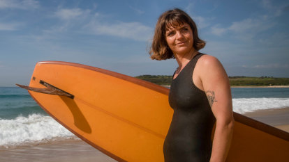 'So sick of this': Female surf champion calls out inequality of prize money in Sydney event
