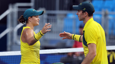 Ash Barty and John Peers did not have to lift a finger to win their bronze medal mixed doubles match.