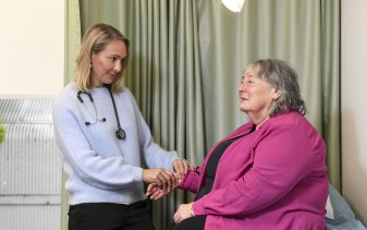 GP Sarah Hume with elderly patient Berenice de Silva, who has been put on a waiting list for her coronavirus vaccine.