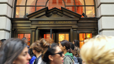 People lining up to enter the Bergdorf Goodman store, in New York.