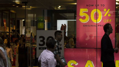 Bushfires dent shopper confidence and set to punch hole in Xmas sales