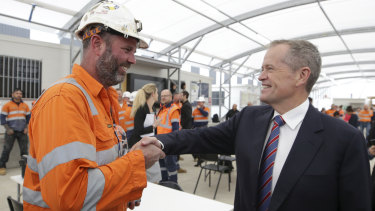Opposition Leader Bill Shorten meets with West Gate tunnel construction workers in Melbourne on Monday.