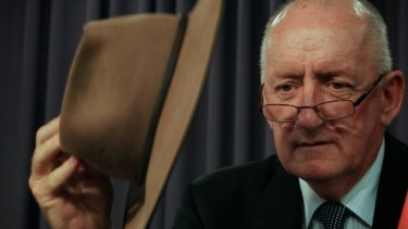 Tim Fischer, gentleman and loner in a big hat, dies at 73