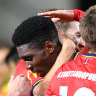 Mariners scrape past minnows, Adelaide edge Jets in FFA Cup