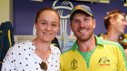 Barty celebrates with Aussie cricket team after their win over England
