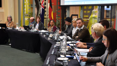 Yarra Councilllors debate drinking by law