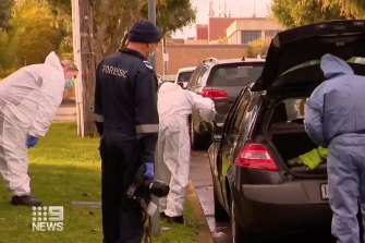 Homicide squad detectives are still investigating a fatal stabbing in Melbourne's south-east on Saturday morning.