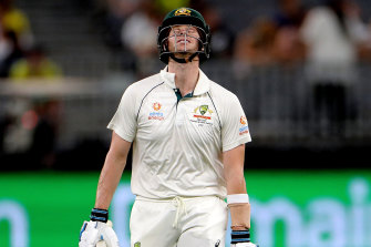A bitterly disappointed Steve Smith returns to the dressing room after being dismissed by Neil Wagner on Saturday.