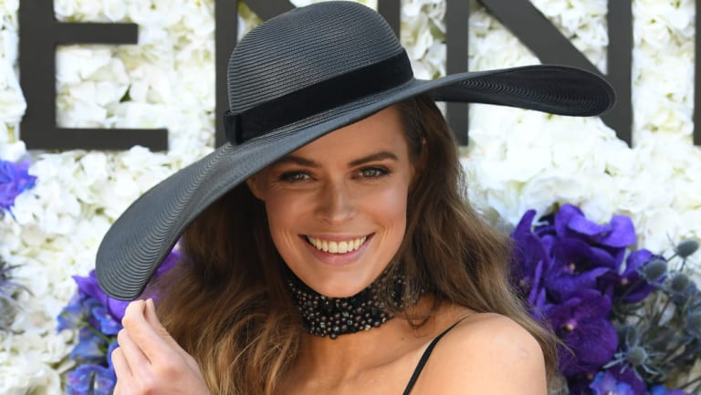 Australian supermodel Robyn Lawley is leading the charge against unhealthy body sizes on the catwalk.