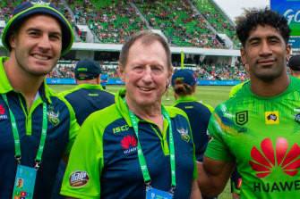 Peter Mulholland, second from left, with Canberra Raiders players Michael Oldfield, Sia Soliola and Dunamis Lui.