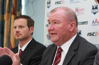 Former Manly, Queensland and New Zealand coach Graham Lowe (right).