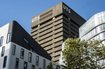 UTS is among many universities which have made COVID-19 vaccination mandatory for all staff and students returning to campus.