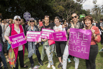 From left: Lesley Freedman, Kathy Freedman, Mia Freedman, Coco Lavigne, Sylvia Freedman, Alison Leigh.